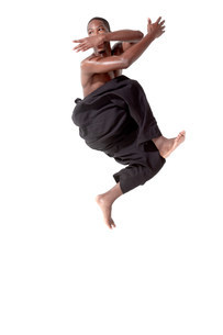 Dancer in mid air poseの写真素材 [FYI03479514]