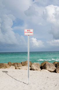 No Fishing sign at beachの写真素材 [FYI03479821]