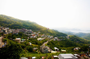 Mountain view of Jinguashi, former mining town, Ruifang Distの写真素材 [FYI03480045]