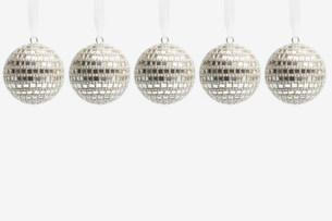 Five disco ball christmas baublesの写真素材 [FYI03480069]