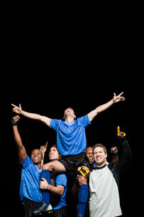 Soccer team celebrating victoryの写真素材 [FYI03480424]