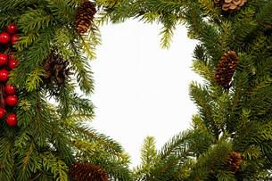 Christmas wreath, studio shotの写真素材 [FYI03481414]