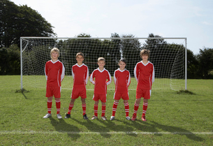 Football Team in front of goalの写真素材 [FYI03487275]