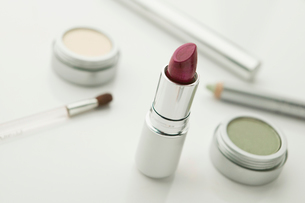 Make up with lipstickの写真素材 [FYI03488651]