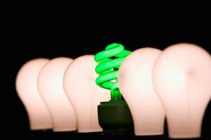 Fluorescent and incandescent light bulbsの写真素材 [FYI03488844]
