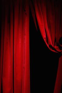 Red velvet curtainsの写真素材 [FYI03489531]