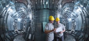 Scientists Working In A Fusion Reactorの写真素材 [FYI03489664]