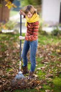 Autumnal gardeningの写真素材 [FYI03490061]