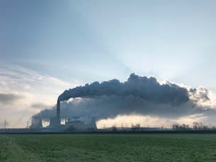Wide View Of Coal Fired Power Stationの写真素材 [FYI03491021]