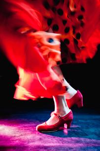 Flamenco feet dancingの写真素材 [FYI03492199]