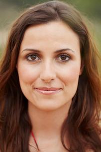 Close-up portrait of brunetteの写真素材 [FYI03492616]