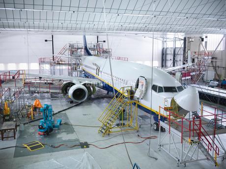 Airplane built in hangarの写真素材 [FYI03497859]