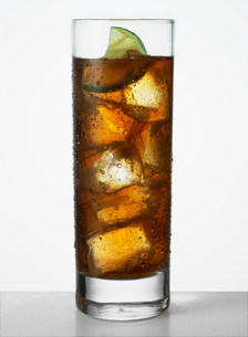 Cola with limeの写真素材 [FYI03506013]
