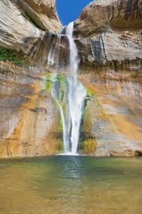 Lower Calf Creek Falls, Grand Staircase-Escalante National Mの写真素材 [FYI03506890]