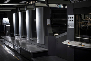 Hi tech printing equipment in print workshopの写真素材 [FYI03508869]