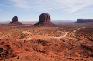 Monument Valley Tribal Park, Navajo, Arizona, USAの写真素材 [FYI03509184]