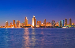 City skyline, San Diego, California, USの写真素材 [FYI03512391]