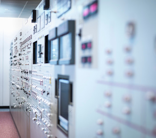 Detail of nuclear power station control room simulator, close upの写真素材 [FYI03514763]