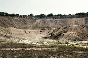 Abandoned quarry chasmの写真素材 [FYI03517930]