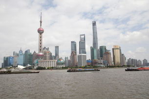 Pudong skyline, including the Oriental pearl tower, Shanghai, Chinaの写真素材 [FYI03525070]
