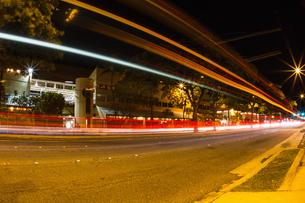 Road, long exposure, Honolulu, Hawaii, USAの写真素材 [FYI03527598]