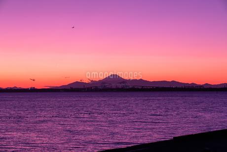夕景富士とTGBの写真素材 [FYI03528727]