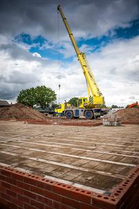 Crane on construction siteの写真素材 [FYI03533453]