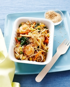Prawn egg fried rice in fast food container, kids lunch ideaの写真素材 [FYI03538988]