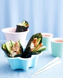 Sushi rolls in bowl, kids lunch ideaの写真素材 [FYI03538995]