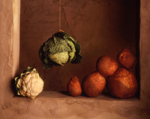 Swede, cauliflower and hanging cabbageの写真素材 [FYI03545376]