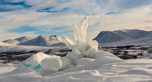 Pressure ridge, Tornetrak lake, Lapporten, Abisko, Swedenの写真素材 [FYI03547055]