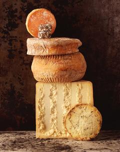 Stack of British cheesesの写真素材 [FYI03549474]