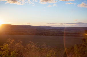 Landscape view of valley and hills at sunset, Ural, Russiaの写真素材 [FYI03550759]