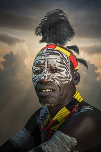 Village chief of a community of the Mursi Tribe, Omo Valley, Ethiopiaの写真素材 [FYI03552958]