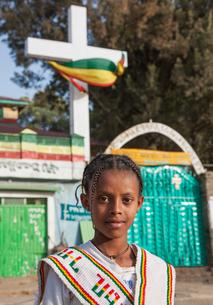 Young girl during the Timkat Festival, Lalibela, Ethiopiaの写真素材 [FYI03552979]