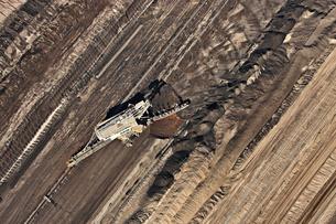Brown coal mining, aerial view, Lausitz, Brandenburg, Germanyの写真素材 [FYI03553946]