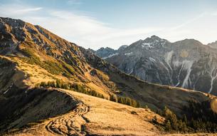 Mountain biking area, Kleinwalsertal, trails below Walser Hammerspitze, Austriaの写真素材 [FYI03554094]