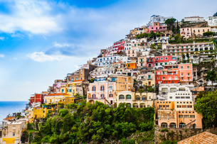 Cliff side buildings, Positano, Amalfi Coast, Italyの写真素材 [FYI03556072]