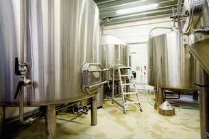 Brew tanks in small scale breweryの写真素材 [FYI03559336]