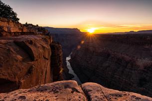View from Torroweap overlook, Littlefield, Arizona, USAの写真素材 [FYI03561338]