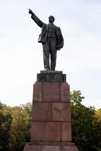 Lenin statue, Brest, Belarusの写真素材 [FYI03561462]