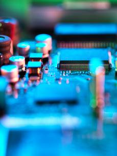Close up of hi-tech electronic circuit boardの写真素材 [FYI03561885]