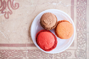 Assortment of macaroonsの写真素材 [FYI03564291]