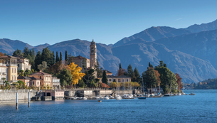 Village on Lake Como, Lombardia, Italyの写真素材 [FYI03567929]