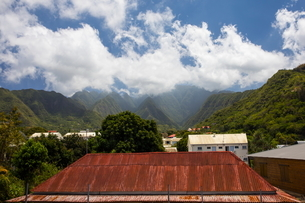Landscape view of tin roof, village and mountains, Reunion Islandの写真素材 [FYI03568546]