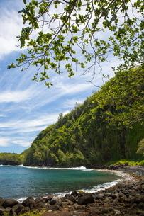 Rocky beach landscape and Indian Ocean, Reunion Islandの写真素材 [FYI03568562]