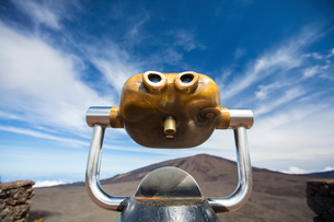 Volcanic landscape with coin operated binoculars  and Piton de la Fournaise, Reunion Islandの写真素材 [FYI03568574]
