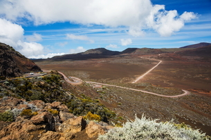 Volcanic landscape with highway, Reunion National Park, Reunion Islandの写真素材 [FYI03568575]