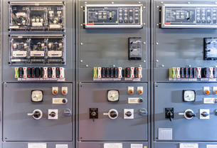 Detail of interior of electricity substationの写真素材 [FYI03575301]