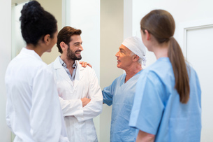Group of doctors talking in hospitalの写真素材 [FYI03581611]